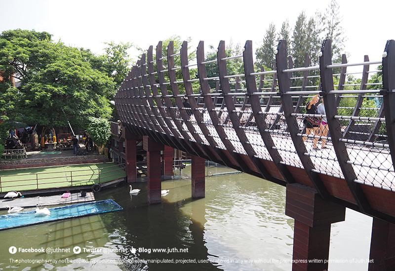 สะพานเรือ แห่งเดียวในโลก